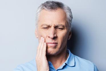 a man eith toothache